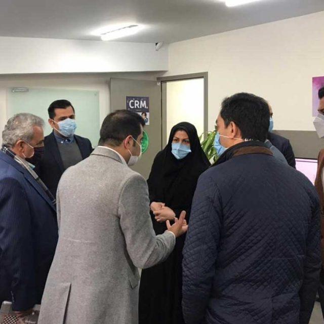 بازدید مدیرکل اداره نساجی، پوشاک و چرم وزارت صمت از مرکزخرید آنلاین بانیمد